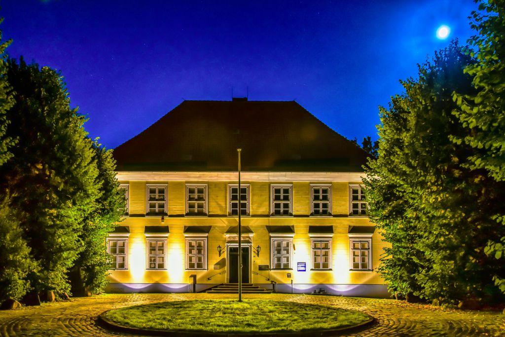 Das Museum Elbinsel am Abend - Foto@Peter Pforr - www.alt-wilhelmsburg.de