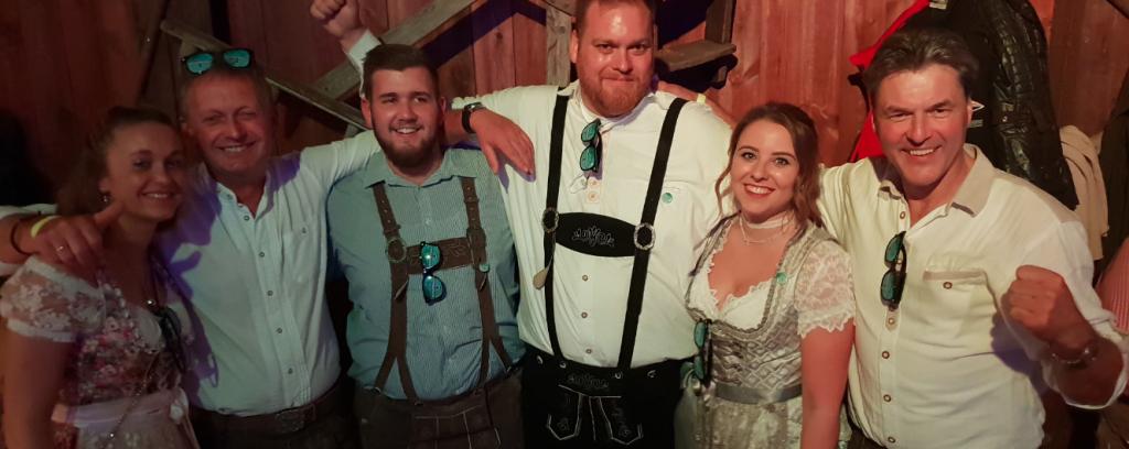 Ein Teil der Partyland Moorwerder Crew: Jennifer Buhr, Jörn-Dieter Buhr, Jonas Bergert, Marc Jans, Sandy Mündel & Hans-Jürgen Heucke.