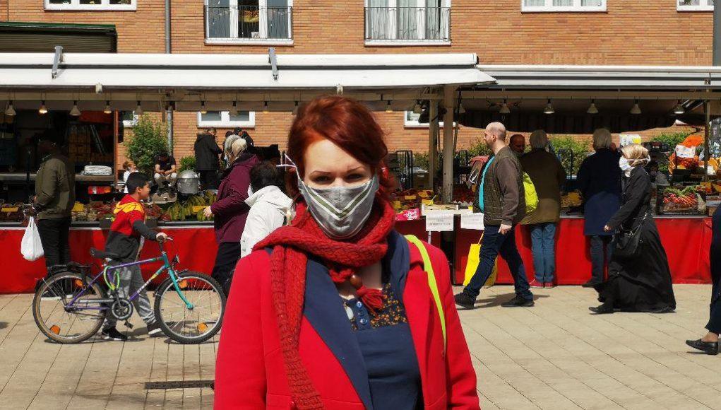 Als Mitglied im Ausschuss für Wochenmärkte ist Henrike auf dem Wochenmarkt auf dem Stübenplatz unterwegs. Foto: Henrike Wehrkamp