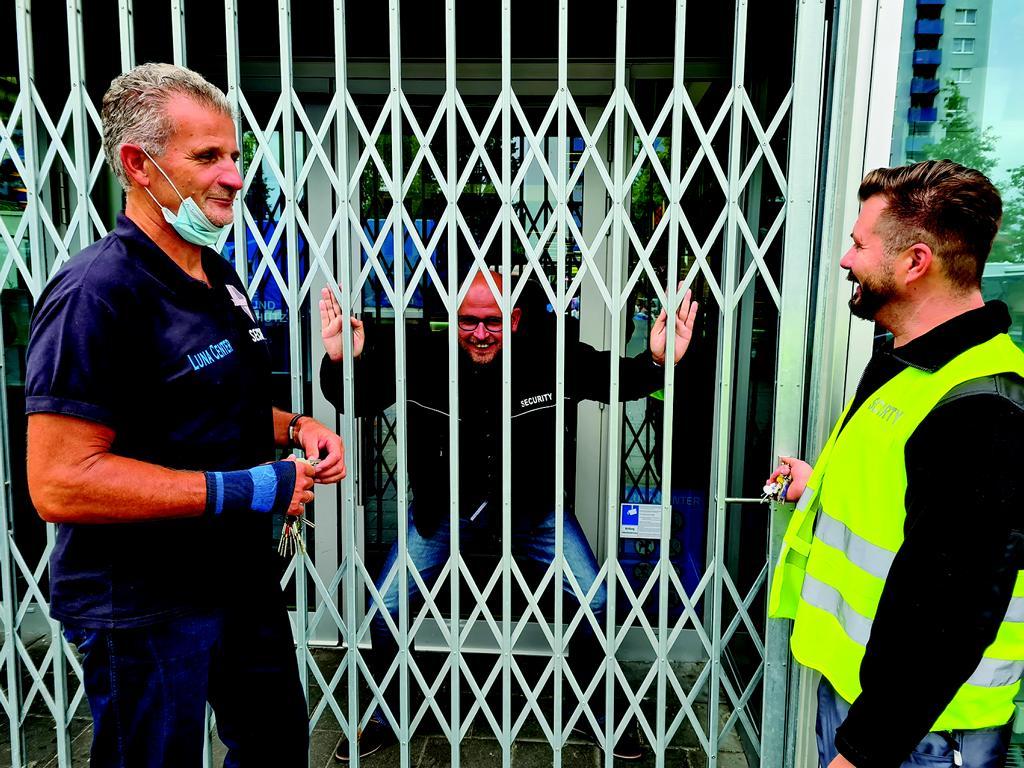 Jojos erstes Mal als Security im Luna Center. Foto: Angela Bockelmann